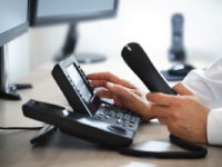 Telephone prospecting - Management contact information - Kompass